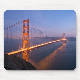 Puente Golden Gate en el mousepad de la puesta del Alfombrillas De Ratones