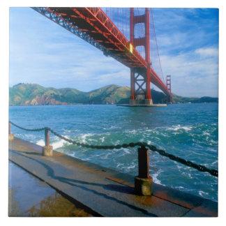 Puente Golden Gate y San Francisco Bay 2 Azulejo Cuadrado Grande