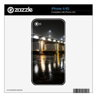 Puente, lluvia, Seul iPhone 4 Skin