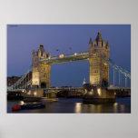 Puente Londres Inglaterra de la torre en la oscuri Impresiones