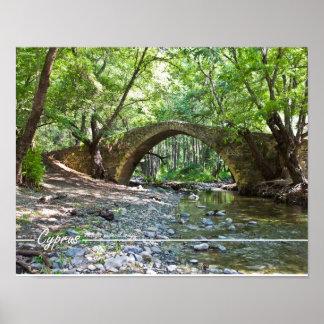 puente medieval de los kelefos en Chipre Póster