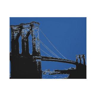 Puente negro y azul del arte pop de Brooklyn