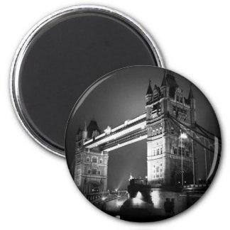 Puente negro y blanco de BW de Londres de la torre Imán Redondo 5 Cm