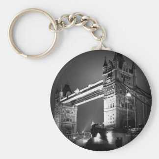 Puente negro y blanco de BW de Londres de la torre Llavero