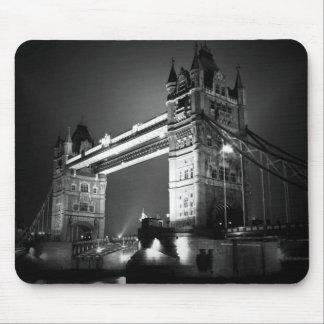 Puente negro y blanco de BW de Londres de la torre Tapetes De Ratones