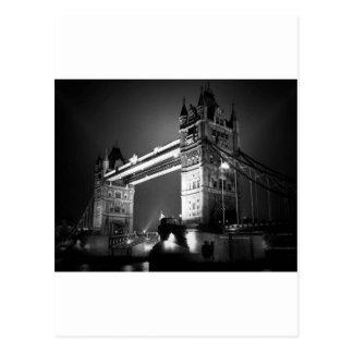 Puente negro y blanco de BW de Londres de la torre Tarjeta Postal