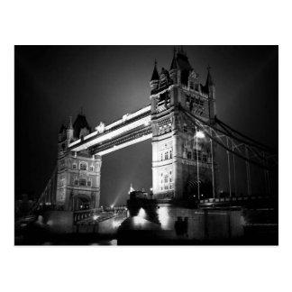 Puente negro y blanco de BW de Londres de la torre Tarjetas Postales