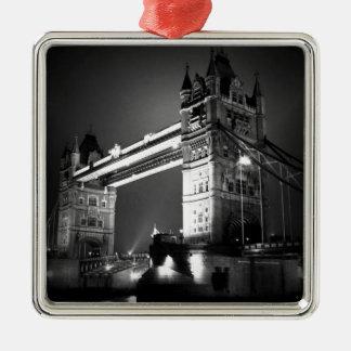 Puente negro y blanco de la torre de Londres Adorno Navideño Cuadrado De Metal