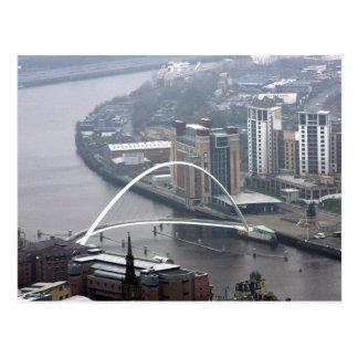 Puente Newcastle del milenio sobre Tyne Tarjeta Postal