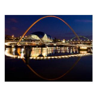 Puente Newcastle del milenio Tarjetas Postales