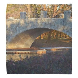 Puente pintado en la puesta del sol bandanas