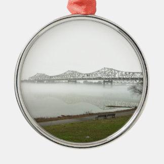 Puente que atraviesa el río Ohio Adorno Navideño Redondo De Metal