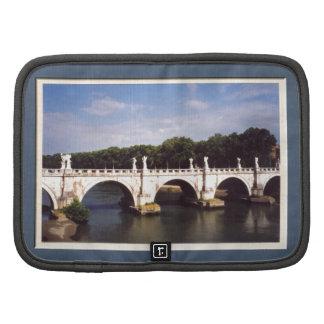 Puente Roma de Sant'Angelo enmarcada Planificadores