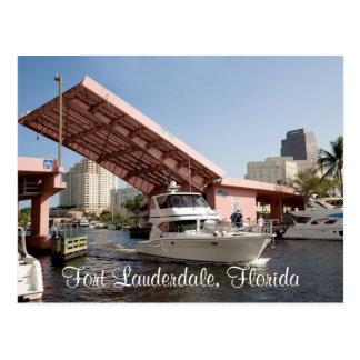 Puente rosado en la bahía del Fort Lauderdale, la Postales