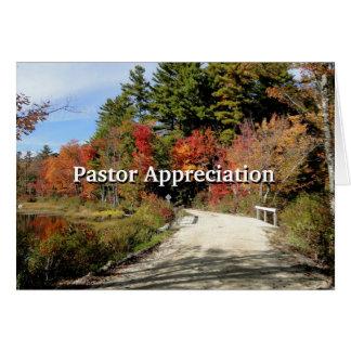 Puente rural en escritura del aprecio del pastor tarjeta de felicitación