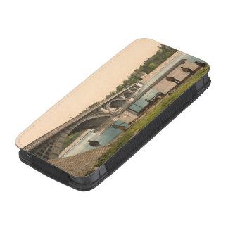Puente sobre Allier, Vichy, Francia Funda Acolchada Para iPhone