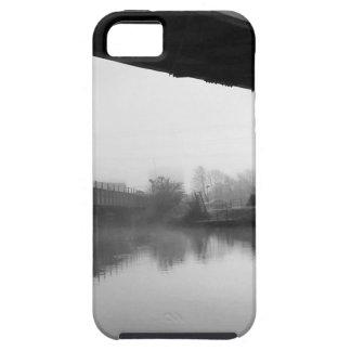 Puente sobre el agua preocupada iPhone 5 carcasas