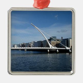 Puente sobre el colgante del río de Dublín Irlanda Adorno Navideño Cuadrado De Metal