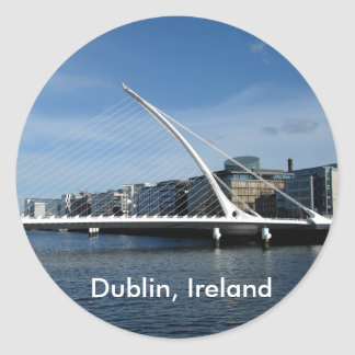 Puente sobre el pegatina del río de Dublín Irlanda