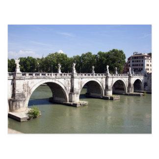 Puente sobre el río Tíber, Roma (Italia). Es Postal