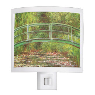 Puente sobre lirios de agua de Monet Luz De Noche
