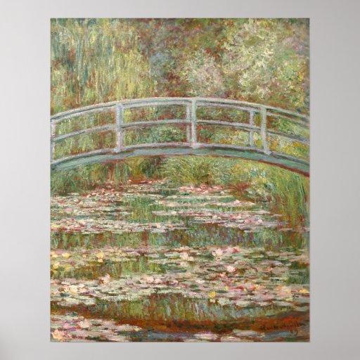 Puente sobre una charca de los lirios de agua posters