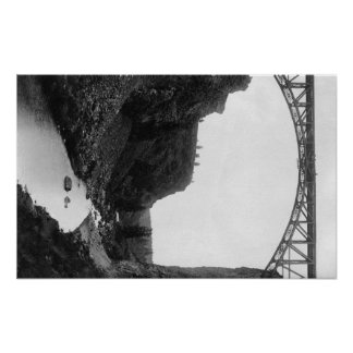 Puente torcido del río en Oregon central Photograp Poster