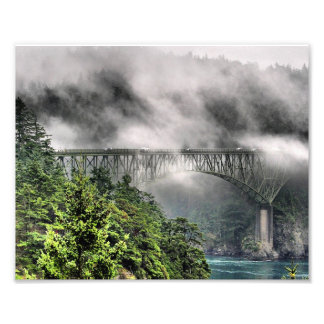 Puente uno de la niebla fotografía