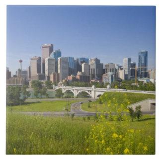 Puente y Calgary céntrica, Alberta, 2 del St del c Azulejo Cuadrado Grande