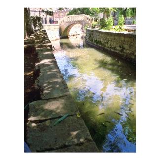 Puente y canal de piedra tarjeta publicitaria