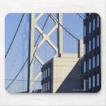 Puente y edificios, San Francisco de la bahía Mousepads