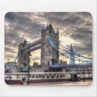 Puente y el casco, Londres, Inglaterra de la torre Alfombrillas De Ratón