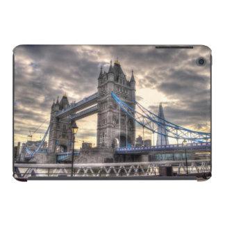 Puente y el casco, Londres, Inglaterra de la torre Fundas De iPad Mini