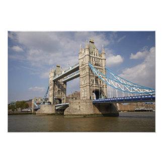 Puente y el río Támesis, Londres de la torre, Fotografías