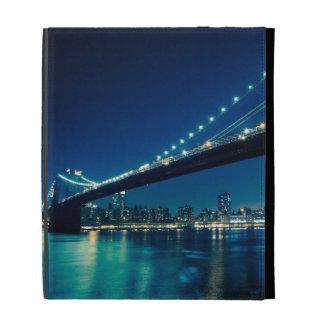 Puente y Lower Manhattan de Brooklyn en la noche