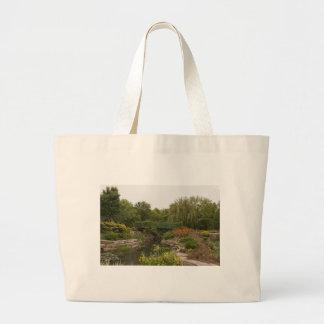 Puente y naturaleza hermosos bolsas
