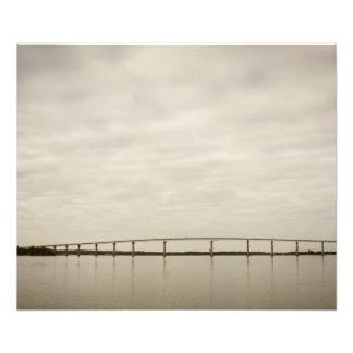Puente y río cojinete