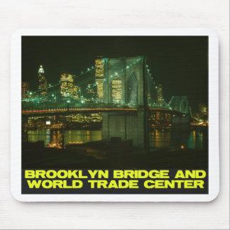 Puente y World Trade Center de Brooklyn Tapetes De Raton