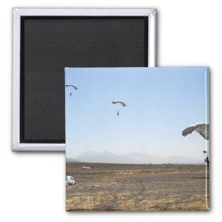 Puentes de paracaídas de la caída libre imán cuadrado