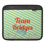 Puentes del equipo fundas para iPads