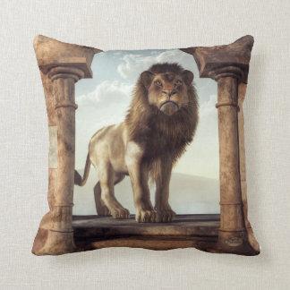 Puerta al reino del león cojín