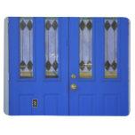 Puerta azul de la capilla