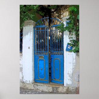 Puerta azul póster
