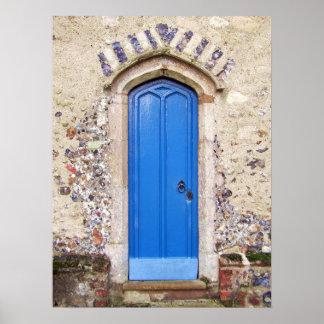 Puerta azul vieja póster