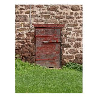 Puerta de granero vieja postal