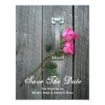 Puerta de granero y rosas rosados que casan invitación