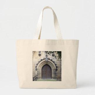 Puerta de la iglesia bolsas