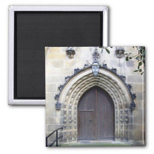 Puerta de la iglesia imán cuadrado