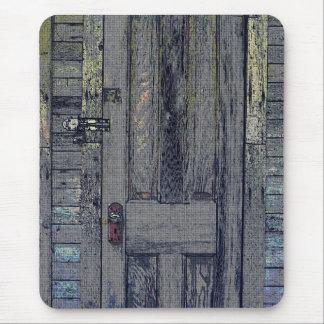 Puerta de madera raquítica de la vertiente mousepads