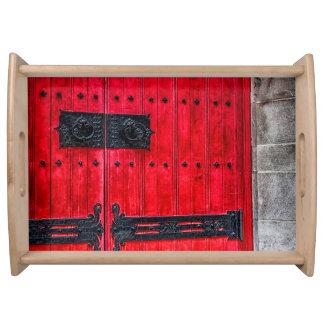 Puerta de madera rústica roja magnífica bandeja